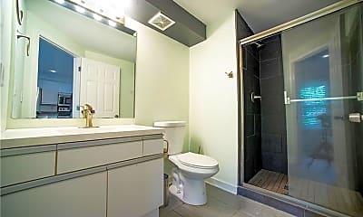 Bathroom, 1124 DeKalb Ave NE 33, 2