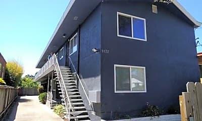 Building, 1132 Parker St, 2
