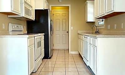 Kitchen, 901 SW Hopi Cir, 1