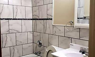 Bathroom, 801 W Hill St, 1