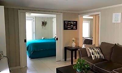 Living Room, 422 E Market St LOWER, 0