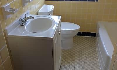 Bathroom, 5301 Jamieson Ave, 1