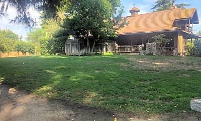 Building, 41667 Kalmia St, 1