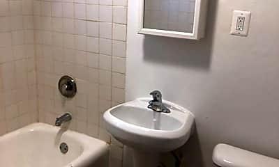 Bathroom, 5601 W West End Ave, 2