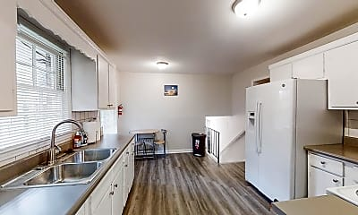 Kitchen, Room for Rent -  a 16 minute walk to bus stop Reda, 1