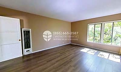 Living Room, 2120 Ocean Park Blvd C, 1