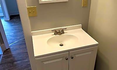 Bathroom, 54 Terrill St, 2