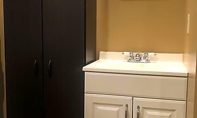 Bathroom, 35 E Tioga St 2ND, 2