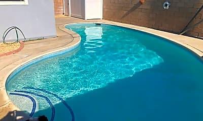Pool, 1492 Rosehill Dr, 1