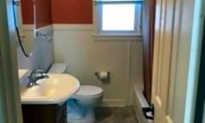 Bathroom, 4205 Glasgow Rd, 1