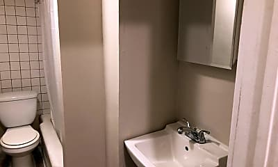 Bathroom, 197 N Main St, 2