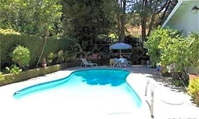 Pool, 22674 Waterbury St, 1