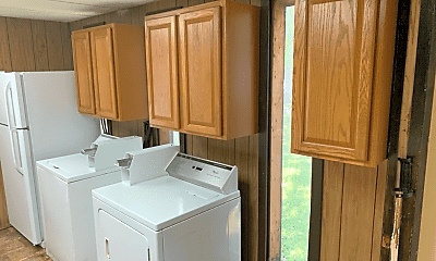 Kitchen, 1016 Old Boalsburg Rd, 1