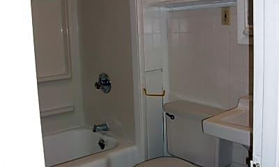 Bathroom, 226 Roosevelt Ave, 2