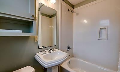 Bathroom, 315 E 6th St, 2