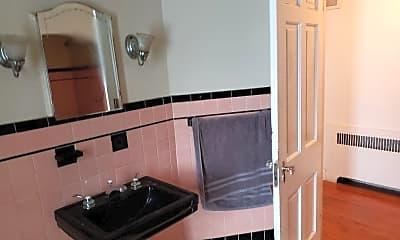 Bathroom, 4128 Washtenaw Ave, 2