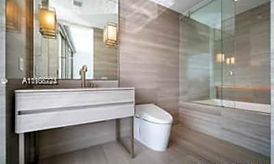 Bathroom, 18975 Collins Ave 2805, 2