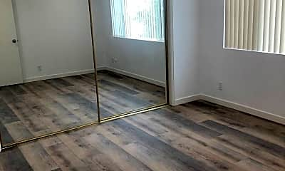 Bathroom, 5407 Lexington Ave, 2