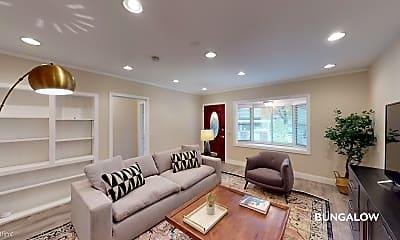 Living Room, 106 Oak Ave, 0