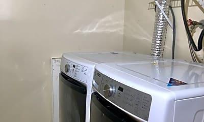 Kitchen, 2025 Putnam Rd, 2