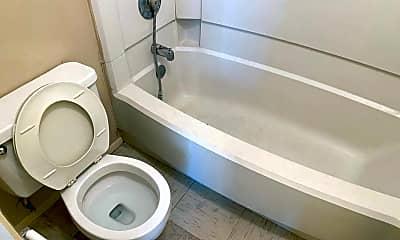 Bathroom, 300 Moursund Blvd, 2