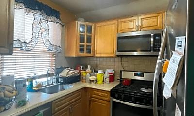 Kitchen, 258 E 86th St, 2