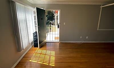 Living Room, 1752 Winona Blvd, 0