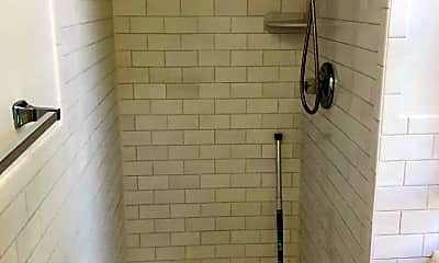 Bathroom, 420 Littleworth Ln, 2