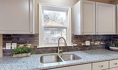 Kitchen, 8009 Roe Ave, 2