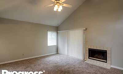 Living Room, 1015 Horton Ct, 1