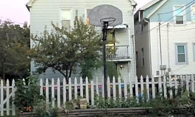 Building, 3151 N Pierce St, 1