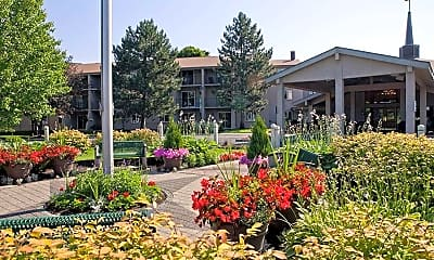 Landscaping, Independence Village of Frankenmuth, 1