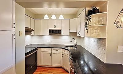 Kitchen, 180 Green St Apt 204, 0