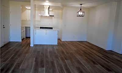 Kitchen, 939 S Cabrillo Ave, 2