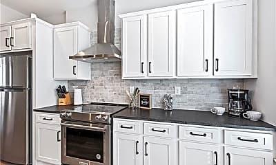 Kitchen, 585 King Arnold St, 1