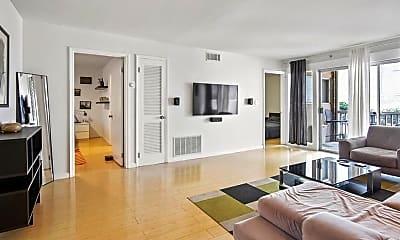 Living Room, 346 Carpenter Dr NE 81, 1