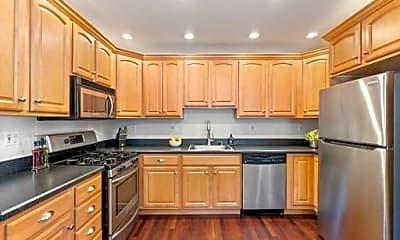 Kitchen, 582 E 4th St, 1