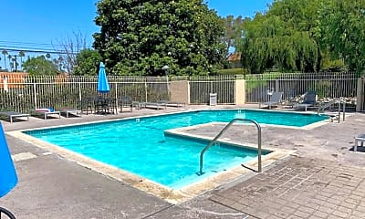Pool, 18601 Edgebrook Ln, 2