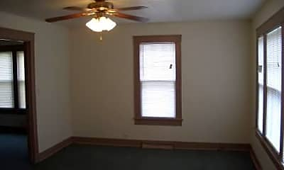 Bedroom, 318 W Calhoun St, 2