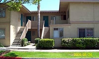 Courtyard Apartments, 2