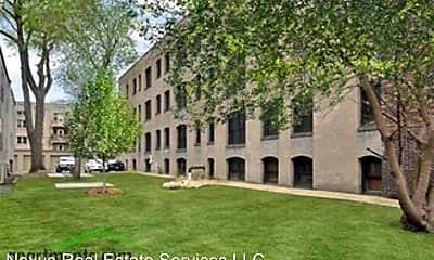 Building, 137 E 17th St, 0