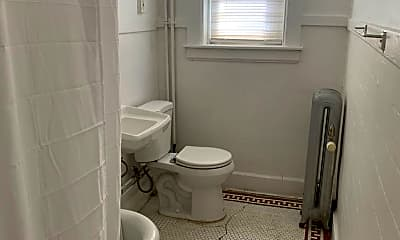 Bathroom, 120 Cannon St, 2