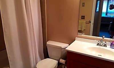 Bathroom, 21 Cypress St, 2