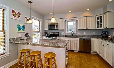 Kitchen, 1095 Island Dr, 2