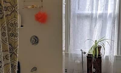 Bathroom, 195 Green St, 1