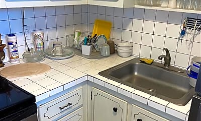 Kitchen, 20201 NE 29th Ct D112, 0