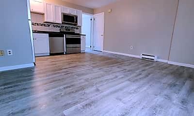 Living Room, 10 Main St, 1