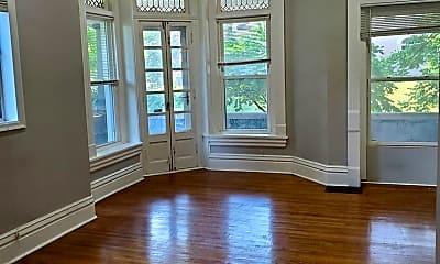Living Room, 520 W 7th St, 1