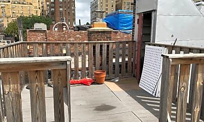 Patio / Deck, 45 W 87th St, 2