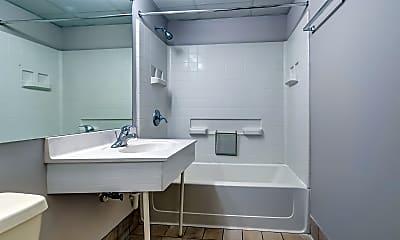 Bathroom, Plymouth Court, 2